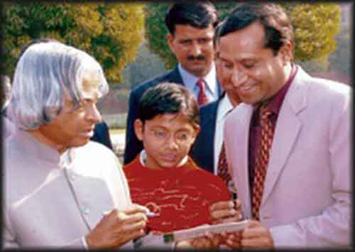 Mr.Anuj Garg, M.D, ISMC, meeting Honorable Former President of India, Dr. A.P.J. Abdul Kalam.